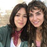 Verónica Sánchez e Irene Arcos en el rodaje de la serie 'El embarcadero'