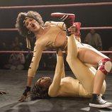 Cherry Bang lucha contra una actriz en la segunda temporada de 'GLOW'