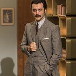 Javier Rey como Mateo Ruiz en la segunda temporada de 'Velvet colección'
