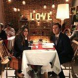 Ana Guerra y Jordi Ríos en un sketch sobre 'First Dates' en 'Homo Zapping'