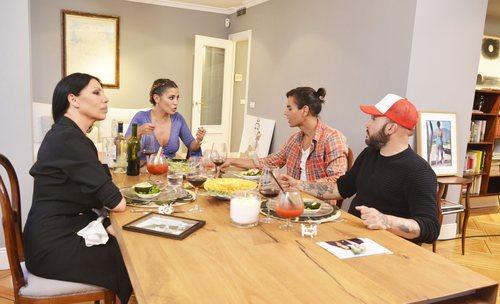 Los concursantes de 'Ven a cenar conmigo Gourmet Edition 3' en casa de Elena Tablada