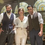 Alex García, Michelle Jenner y Christian Sánchez en 'El Continental'