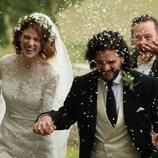 Kit Harington y Rose Leslie, actores de 'Juego de Tronos', de la mano el día de su boda