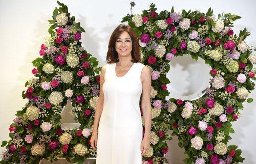 Ana Rosa posa por el fin de temporada 14 de 'El programa de Ana Rosa'