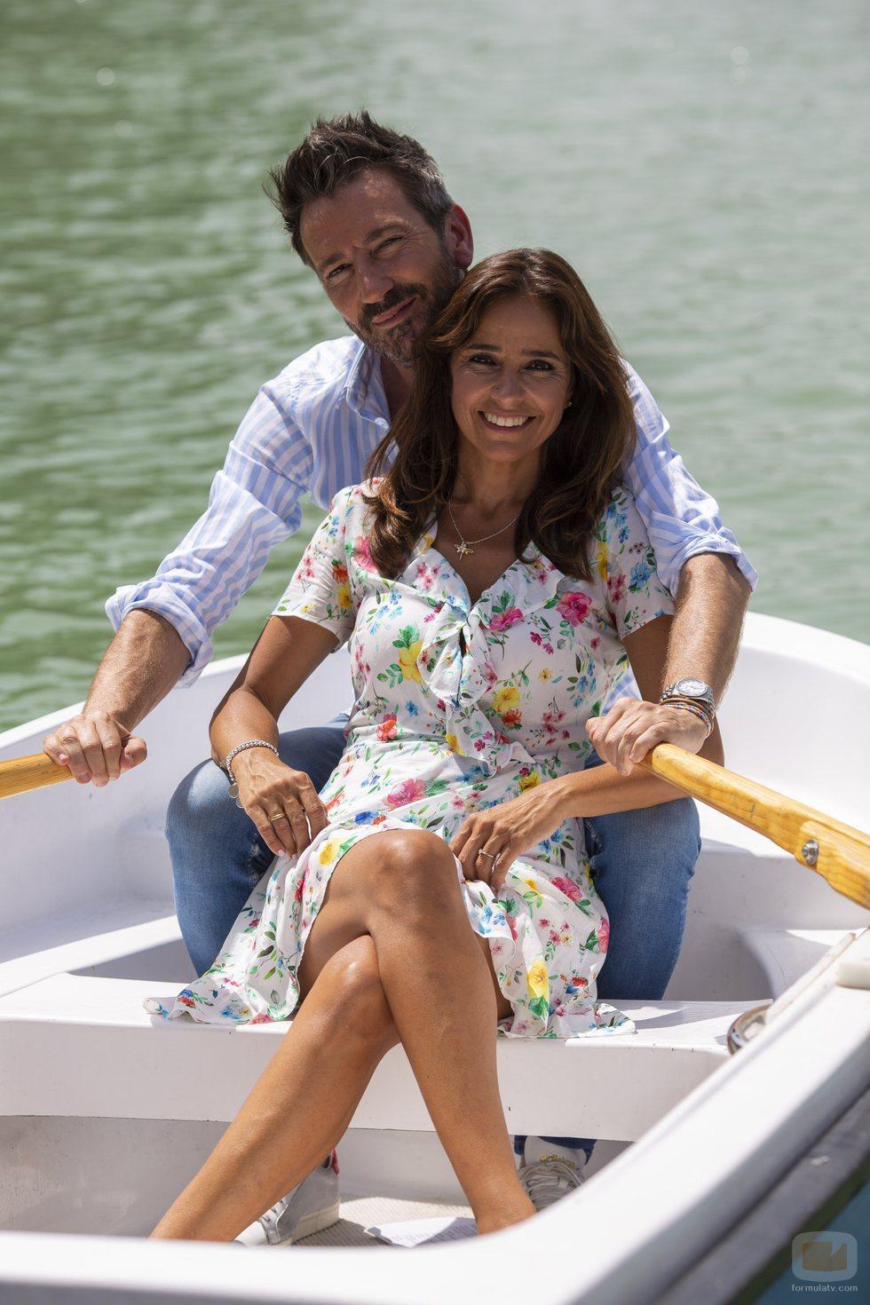 Carmen Alcayde y David Valldeperas nuevos presentadores de 'Aquí hay madroño'