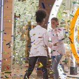 Marta celebra con Ketty que es la ganadora de 'MasterChef 6'