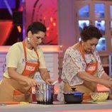 Rosa cocina con su madre Paqui en 'Mi madre cocina mejor que la tuya'