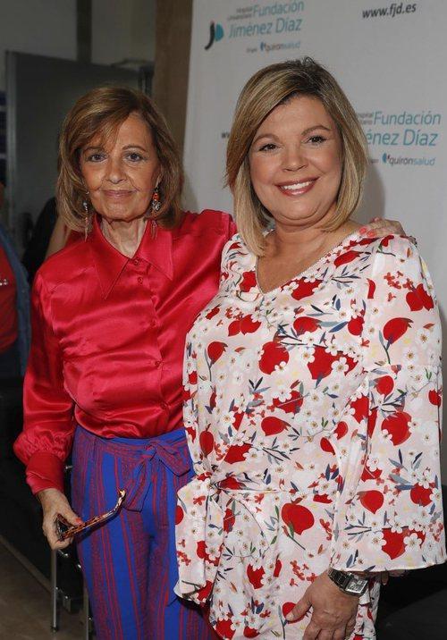 Terelu Campos, acompañada de su madre María Teresa Campos, en su salida del hospital