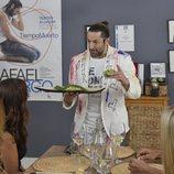 Rafael Amargo explica su plato en 'Ven a cenar conmigo: Summer Edition'