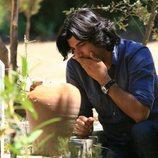 Kerim delante de una tumba en la segunda temporada de 'Fatmagül'