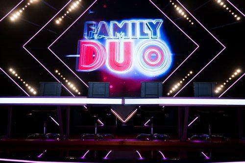 Mesa del jurado del talent show 'Family duo'