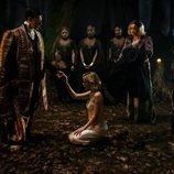 Kiernan Shipka en una escena de 'Las escalofriantes aventuras de Sabrina'