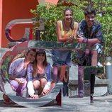 Aitana Ocaña, Ana Guerra, Amaia Romero y Roi Méndez posan junto al logo de 'OT' en el casting final