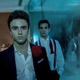 Álvaro Rico e Itzán Escamilla en una imagen promocional de 'Elite'