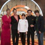 Loles León junto al jurado y la presentadora de 'MasterChef Celebrity 3'