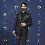 Darren Criss en la alfombra roja de los Emmy 2018