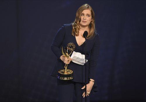 Merritt Wever ganadora de una estatuilla en los Emmy 2018