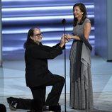 Glenn Weiss pidiéndole matrimonio a su novia tras ganar un Emmy
