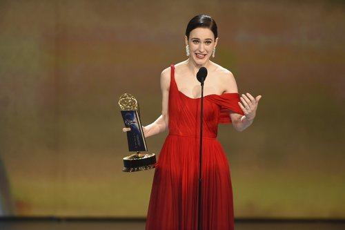 Rachel Brosnahan ganadora del Emmy a la mejor actriz de comedia
