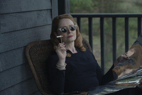 Miranda Otto en 'Las escalofriantes aventuras de Sabrina'