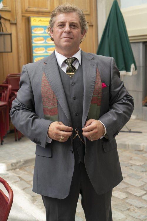 Sebastián Fernández interpreta a Sebas Fernández en 'Amar es para siempre'