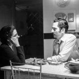 Los personajes de Inma Cuesta y Paco León en la primera temporada de 'Arde Madrid'