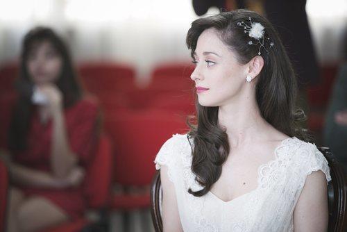 Karina en el día de su boda junto a Carlos Alcántara en 'Cuéntame cómo pasó'