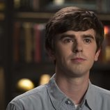 Freddie Highmore durante una escena de 'The Good Doctor'