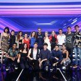 Los concursantes de 'OT 2018' junto a Roberto Leal en la Gala 2