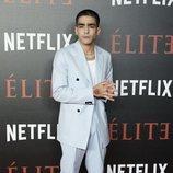 Omar Ayuso en la alfombra roja de 'Élite'