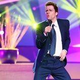 Jordi Coll imita a Luis Miguel en la gala 2 de 'Tu cara me suena'