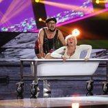 """José Corbacho y Silvia Abril cantando """"Cómeme el donut"""" en la Gala 3 de 'Tu cara me suena 7'"""