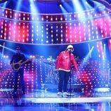 Brays Efe imita en la Gala 3 de 'Tu cara me suena 7' al vocalista de Oasis