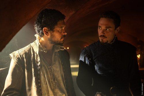 Pablo Molinero y Federico Aguado en la segunda temporada de 'La peste'