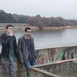 Ander y Omar en una escena de la primera temporada de 'Élite'