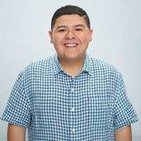 Rico Rodriguez posa para la décima temporada de 'Modern Family'
