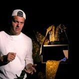 Frank Cuesta y un traje de luces en 'Wild Frank: Toros'