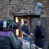 Carlos Areces y Emilia Ortiz durante el rodaje de 'El pueblo'