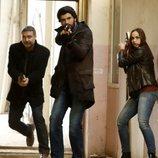 Ömer Demir con sus compañeros en 'Amor de contrabando'