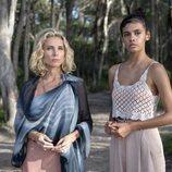 Elsa Pataky y Madeleine Madden son dos de las sirenas de 'La tierra de las mareas'