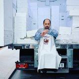Antonio Recio esperando en la temporada 11 de 'La que se avecina'