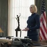 Claire Underwood en el despacho oval en 'House of Cards'