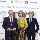 Manuel Campo Vidal y Maria Rey posan en los Premios Iris 2018