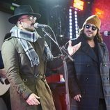 Luis Fonsi y Antonio Orozco en el evento sorpresa de 'La Voz'