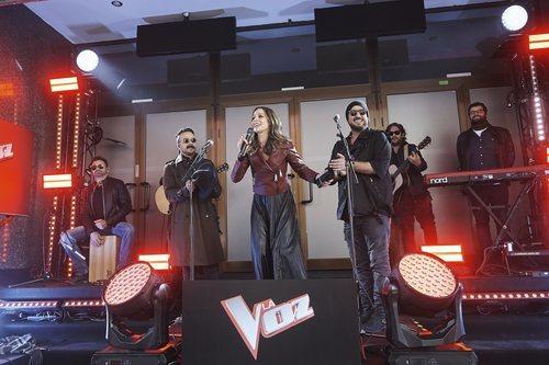 Luis Fonsi, Eva González y Antonio Orozco en el evento sorpresa de 'La Voz'