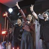 Eva González junto a Luis Fonsi y Antonio Orozco en el evento sorpresa de 'La Voz' en Callao