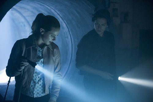 Betty Cooper y Jughead Jones en la tercera temporada de 'Riverdale'
