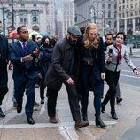 Karen Page y Mitchell Ellison en la tercera temporada de 'Daredevil'