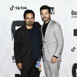 Michael Peña y Diego Luna en los MTV EMAs 2018