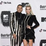 Ashlee Simpson y Evan Ross en los EMAs 2018